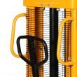zoom du timon et de la grille de protection du gerbeur manuel levée 1600 mm capacité de charge 1000 kg